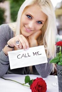 Frauen, die aufmerksamkeit von männern suchen
