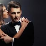 Die Männliche Körpersprache Beim Flirten